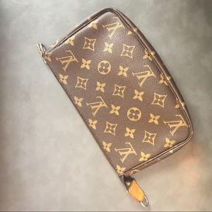 Louie Vuitton Pochette Accessories